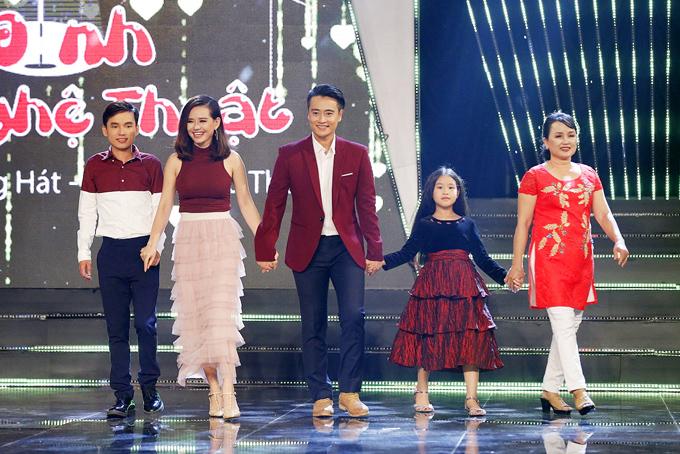 Gia đình nữ diễn viên Hiền Trang Cổng mặt trời.