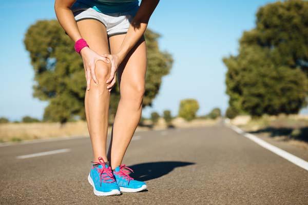 Giảm đau nhức xương khớp Đi bộ giúp tăng cường chất nhờn cho các khớp, giảm tình trạng khô khớp,