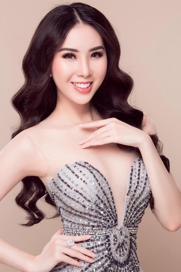 Hoa hậu Ngọc Trâm 'biến hình' với phong cách trang điểm Thái Lan