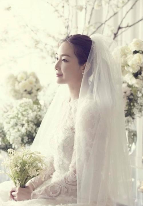 Choi Ji Woo giữ kín thông tin về hôn sự.