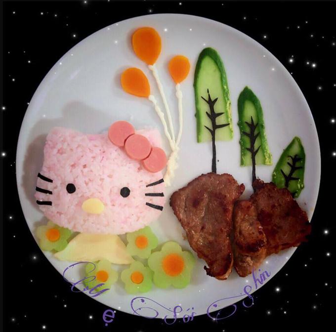 Từ ngày được mẹ chuẩn bị cơm đẹp mắt, bé Sói bữa nào cũng đánh bay phần cơm của mình.