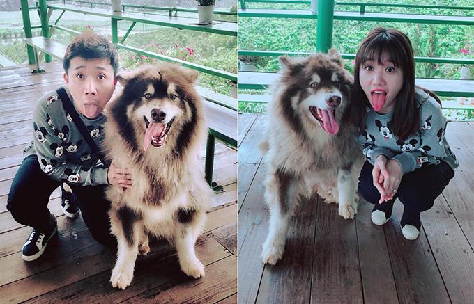 Hari - Trấn Thành tạo dáng lè lưỡi bên chú chó đáng yêu ở Đà Lạt.
