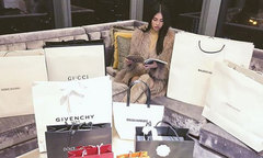 Những kiểu khoe đồ hiệu xa xỉ của 'hội con nhà giàu' Việt