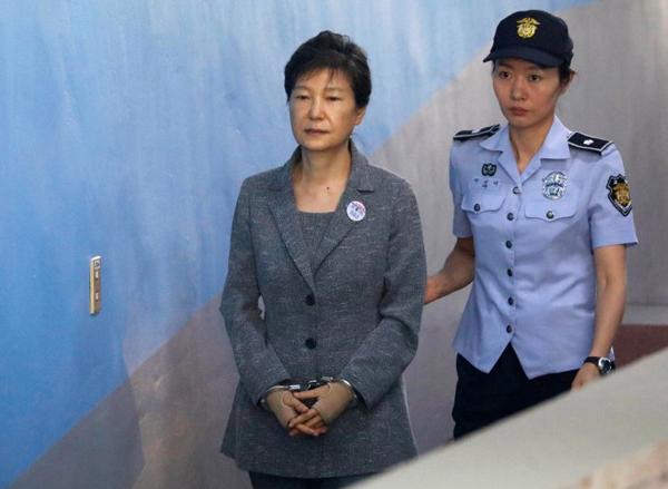 Bà Park ra tòa hôm 31/3/2017. Ảnh: NewYorkTimes.