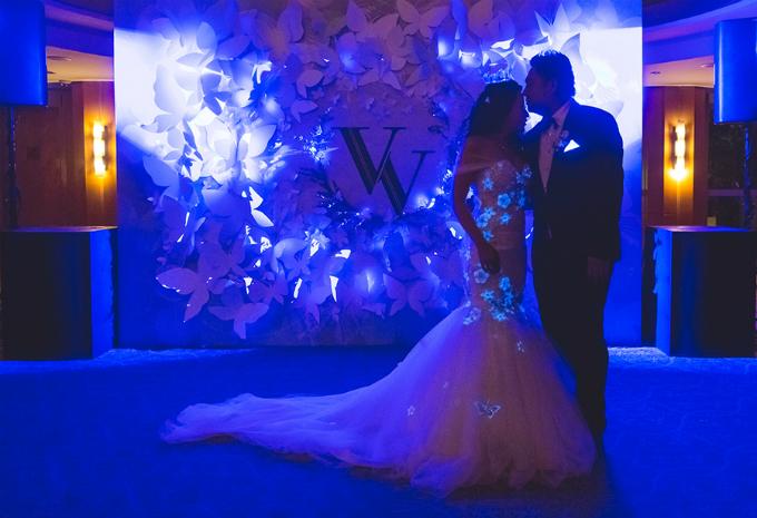 Khi lên kế hoạch tổ chức lễ cưới, cả hai nhanh chóng chọn được chủ đề và màu sắc trang bởi họ cùng thích màu xanh dương. Vì thế, Vicent và Veron đã đưa màu sắc này vào tiệc cưới của mình, kết hợp thêm sắc trắng và bạc.