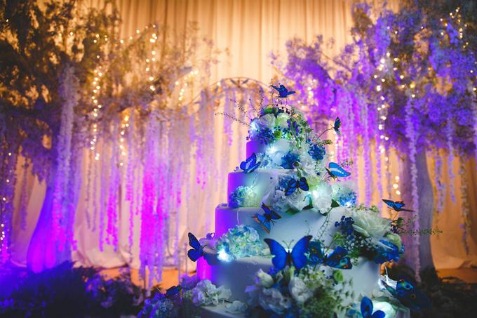 Tiệc cưới lung linh với hàng trăm cánh bướm phát sáng