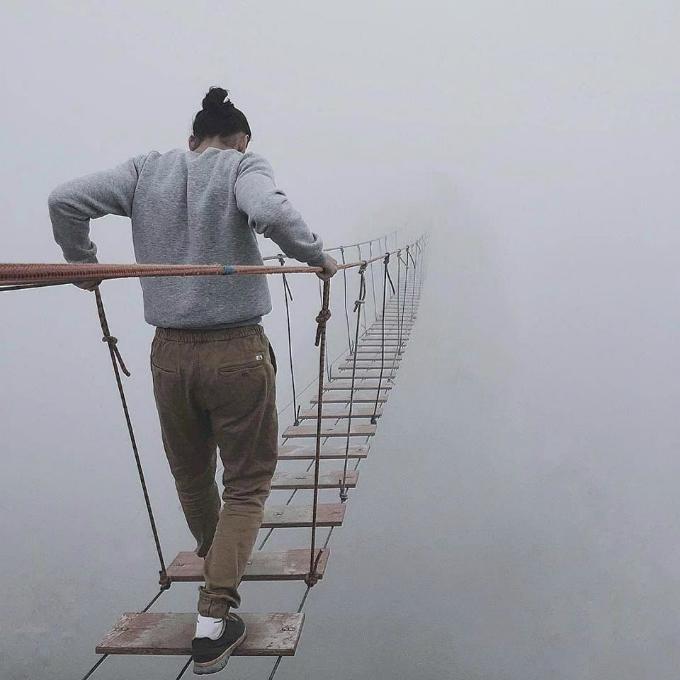 Cây cầu chơi vơi trên độ cao 1.000 m 'dẫn lối tới địa ngục'