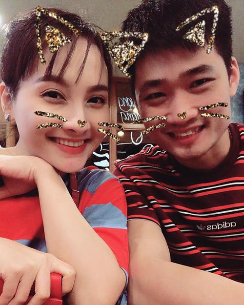 Vợ chồng Bảo Thanh trở thành bảo mẫu cho con trai và cháu gái trong ngày cuối tuần.