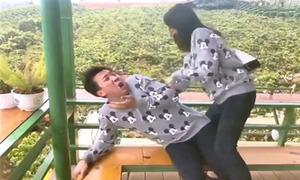 Trấn Thành bị Hari Won 'xử' vì dám 'chơi xấu' vợ