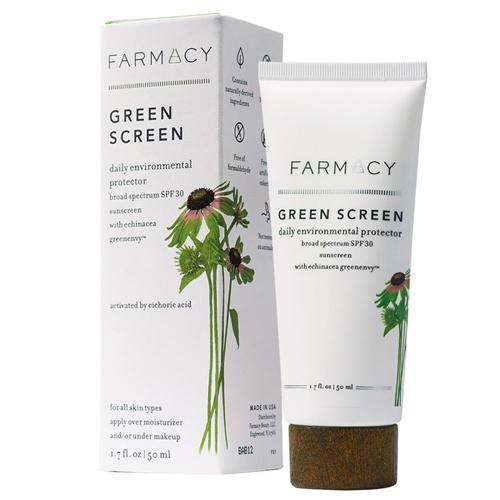 Kem chống nắng của thương hiệu Farmacy được làm từ titan dioxit, an toàn với môi trường. Sản phẩm có giá 36 USD (khoảng 740.000 đồng).
