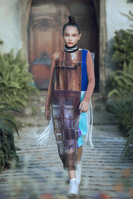 NTK Võ Công Khanh mang đến bộ sưu tập Galaxy dành cho trẻ em với những trang phục mang màu sắc nổi loạn.