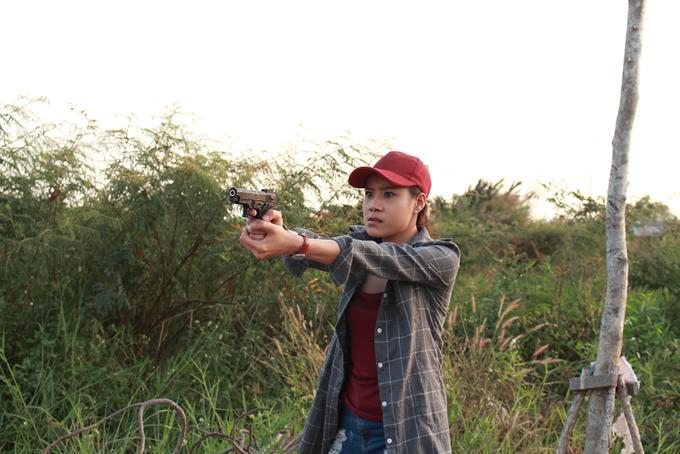 Hồ Bích Trâm vào vai thiếu úy Hồng Hạnh trong phim Đánh tráo số phận.