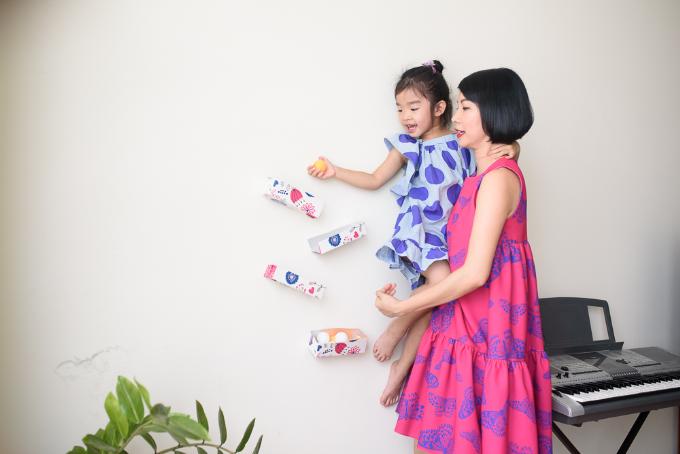 Xuân Lan dạy con hành đppngj đẹp từ trò chơi cây nhà lá vườn - 3