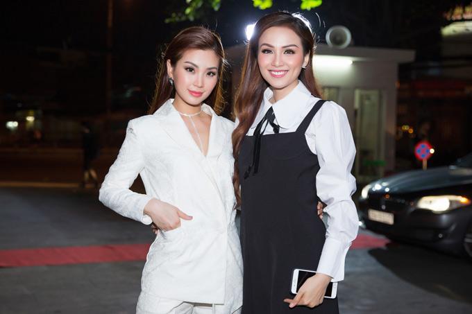 Á hậu Việt Nam 2014 hội ngộ Hoa hậu thế giới người Việt 2010 Diễm Hương.