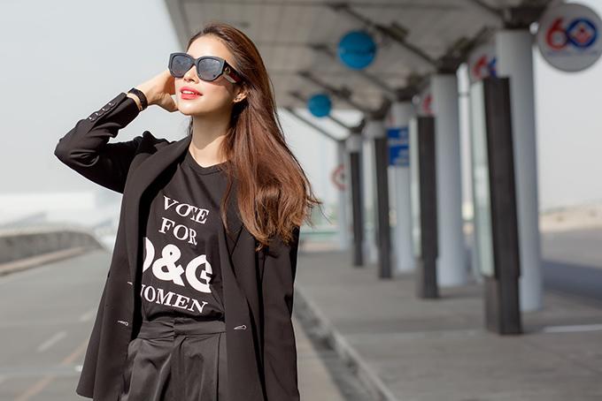Hoa hậu lưu lại Indonesia khoảng một tuần để tham gia các hoạt động vui chơi giải trí và từ thiện xã hội.
