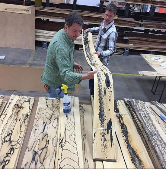 Từ cuối năm ngoái, Frank Pollaro (trong ảnh) tiết lộ rằng, anh và Brad đang kết hợp để tạo nênloạt sản phẩm nội thất mới vào năm 2018.