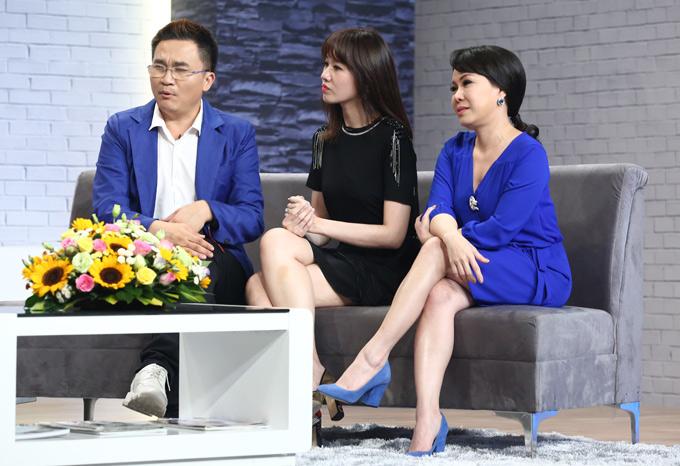 MC Đại Nghĩa, ca sĩ Hari Won và danh hài Việt Hương dẫn dắt show Là vợ phải thế. Chương trình phát sóng vào 21h30 thứ ba hàng tuần, bắt đầu từ ngày 10/4.