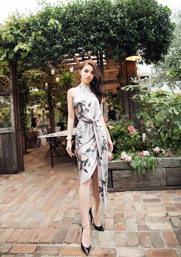 Jolie Nguyễn vừa về Australia thăm gia đình. Tháng 3 vừa qua là sinh nhật cô nhưng Jolieđang ở Việt Nam nên chưa tổ chức tiệc mừng cùng gia đình.