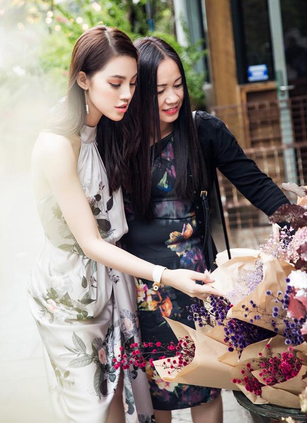 Hai mẹ con Jolie Nguyễncó nhiều sở thích, tính cách giống nhau.