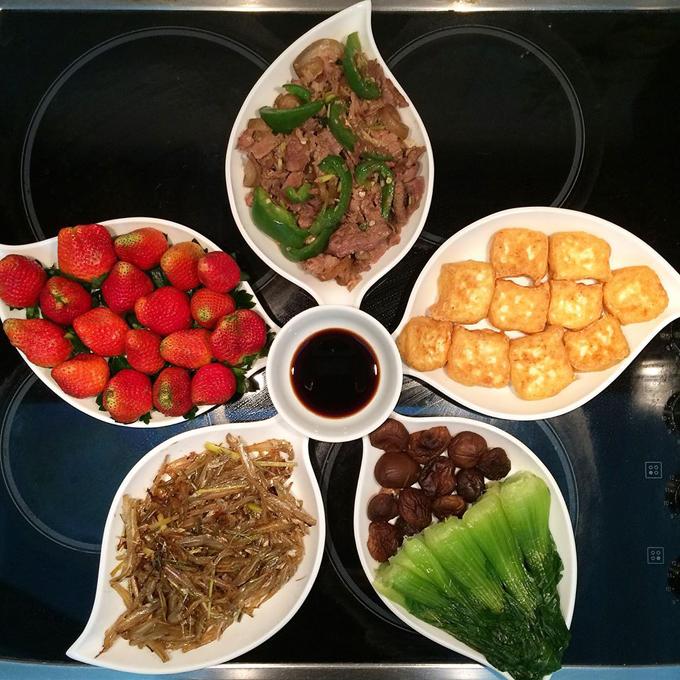Theo Hoan, chi phí cho bữa ăn gia đình dao động từ 50 nghìn đồng đến 200 nghìn đồng, tùy món và tùy dịp.