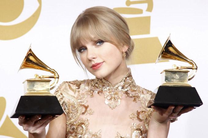 Công chúa nhạc đồng quê Taylor Swift hiện đã có trong tay 10 giải Grammy - Ảnh: CNN