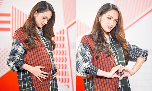 Hoa hậu Chuyển giới Hương Giang bất ngờ khi được mời thử... mang bầu