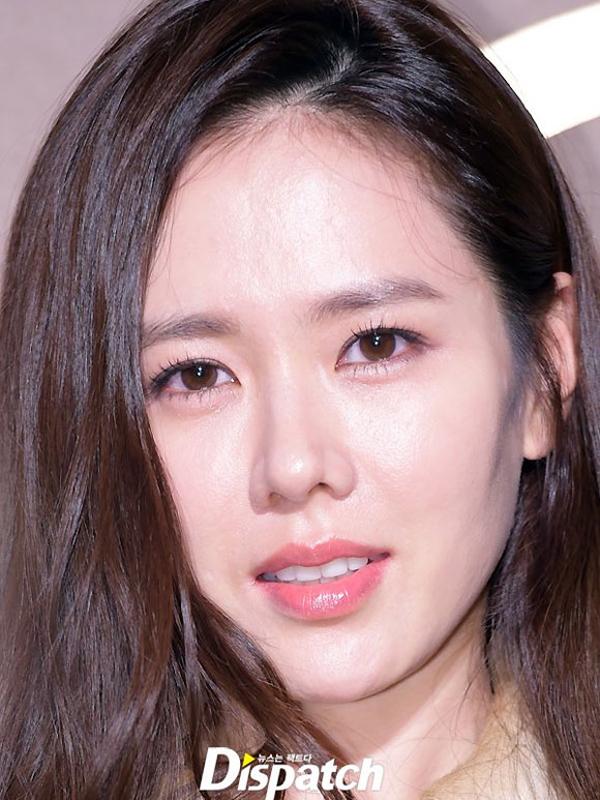 Dù đã bước qua tuổi 36 nhưng nữ diễn viên vẫn giữ được làn da căng bóng, mịn màng.