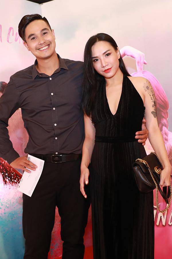 Ngọc Trinh mặc gợi cảm đi xem phim mới của đàn em Quỳnh Hương - 11
