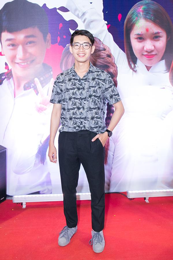 Ngọc Trinh mặc gợi cảm đi xem phim mới của đàn em Quỳnh Hương - 7