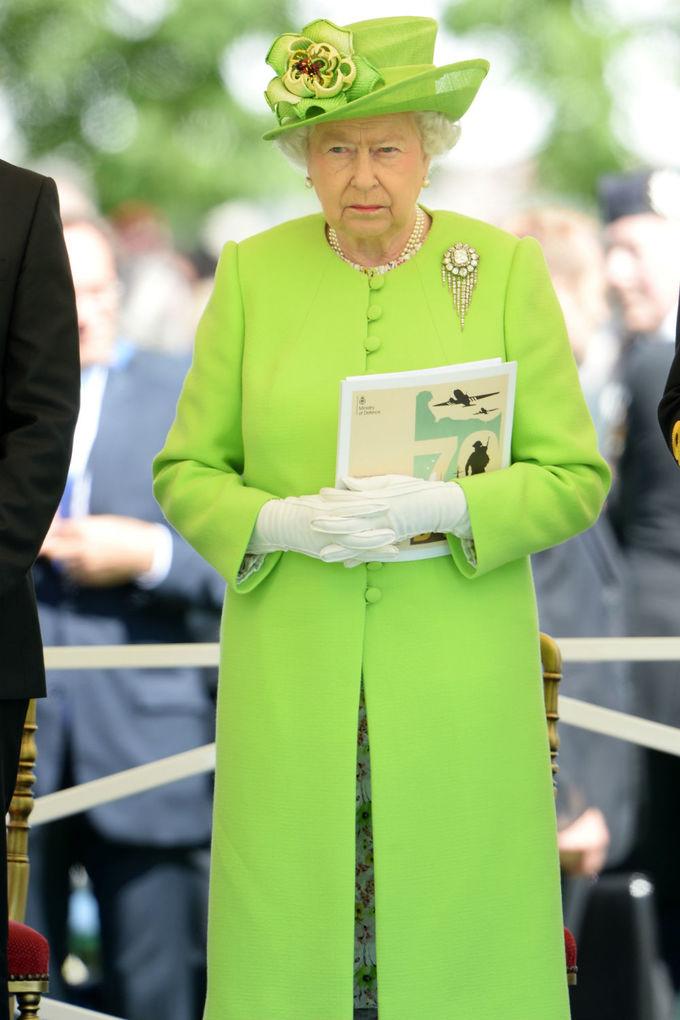 Quy tắc ngầm trong thời trang của Nữ hoàng Anh
