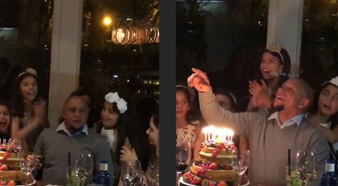 Roberto Carlos vui sinh nhật bên đàn con
