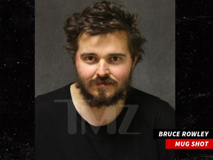 Tên cướp Bruce Rowley.