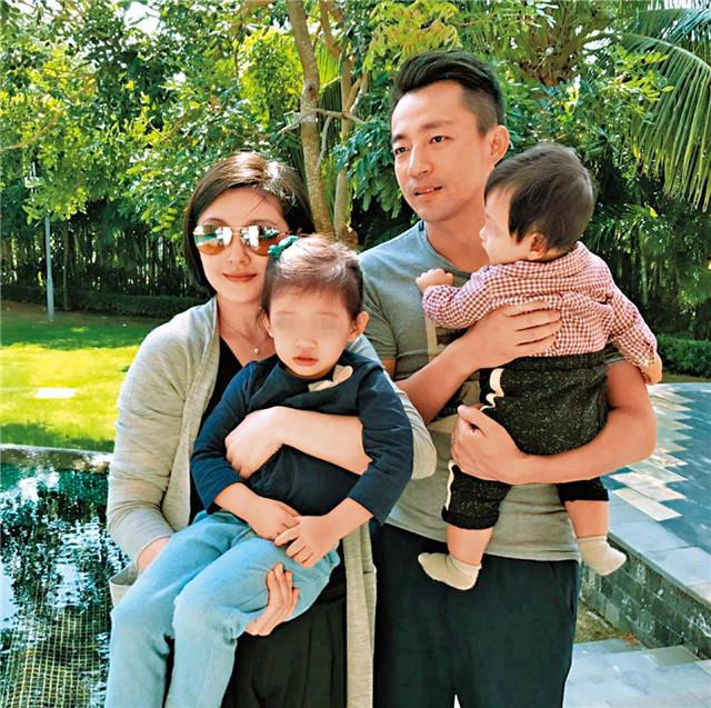 Vợ chồng Từ Hy Viên và hai con.