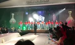 Thí sinh Việt Nam nhảy flash mob trong đêm chung kết Queen of the Spa