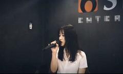 Hotgirl Han Sara tự viết lời Hàn và hát 'Tâm sự tuổi 30' của Trịnh Thăng Bình