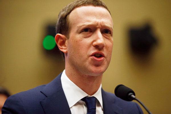 Zuckerberg: 'Thông tin cá nhân của tôi cũng bị lộ'