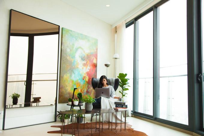 Trang Lạ và chồng đại gia tình tứ trong căn penthouse 300 m2 - 8