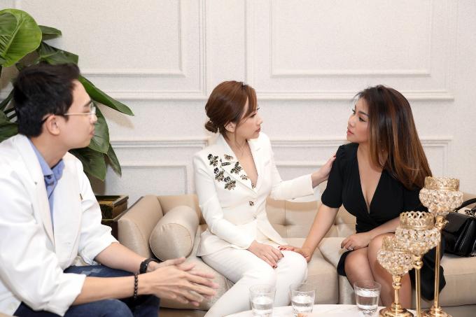 Được bạn bè giới thiệu, ca sĩ Minh Tuyết đã đến Ruco International Clinic để được tư vấn về các phương pháp trẻ hóa da.