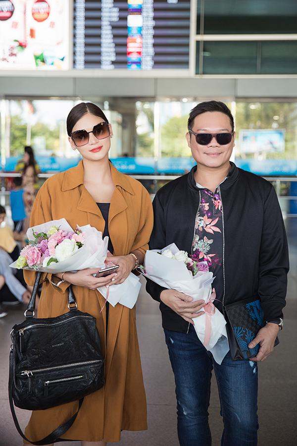 Ông trùm Jonas Gaffud tháp tùng Pia sang Việt Nam. Ông là người đào tạo nhiều Hoa hậu Philippines giành chiến thắng tại các đấu trường nhan sắc quốc tế.