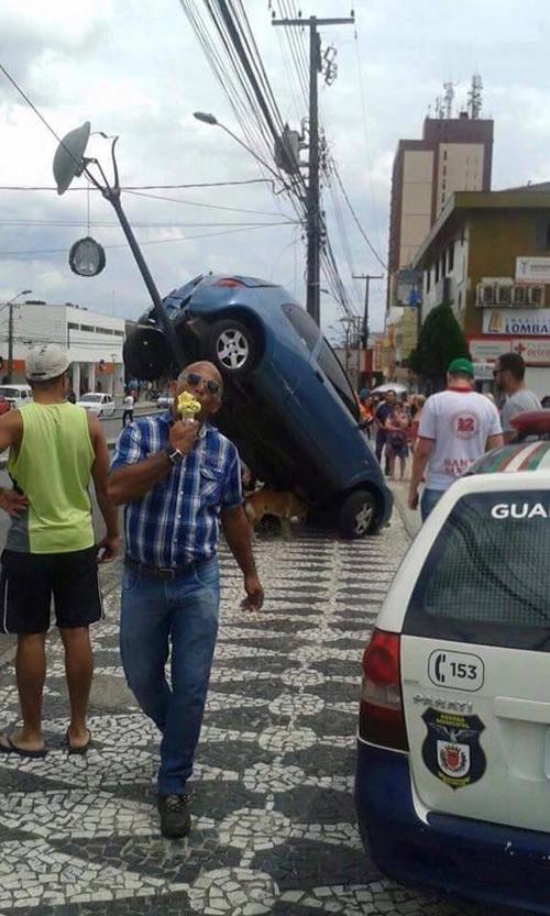 Chiếc xe chắc không phải là của quý ông?