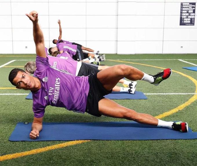 Trong đội Real Madrid hay tuyển Bồ Đào Nha, C. Ronaldo cũng luôn là người chịu khó tập thể lực nhất.