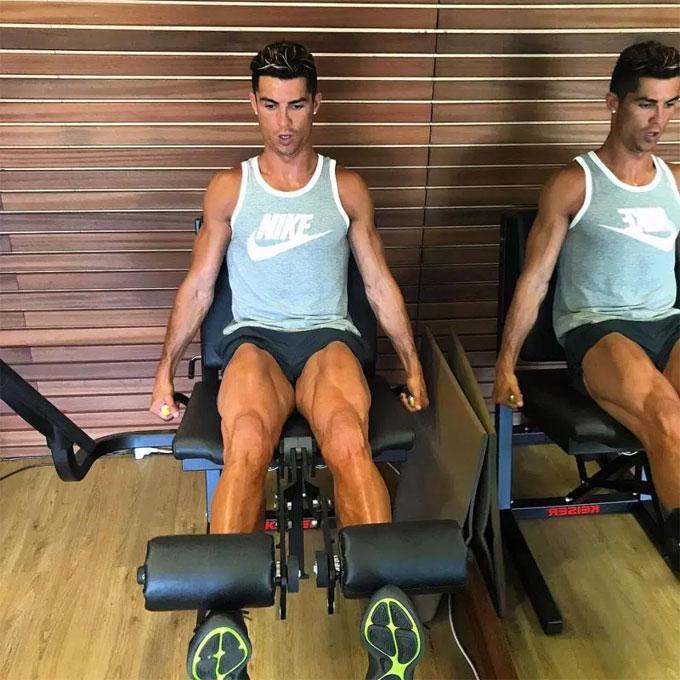C. Ronaldo rèn thể lực, nuôi cơ bắp: Tập mọi nơi, không một giọt rượu - 12