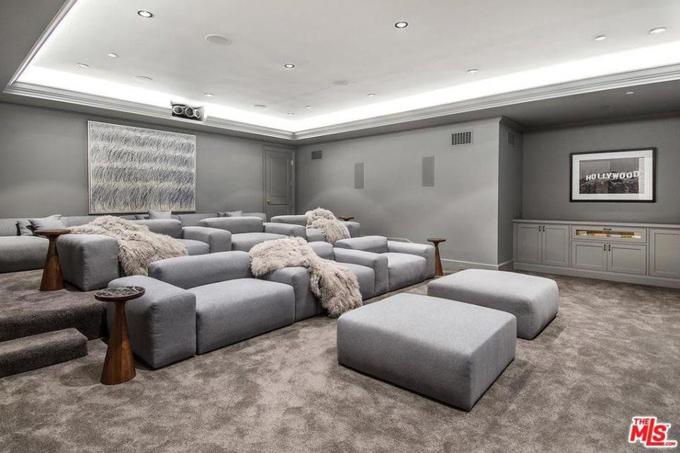 Phòng xem phim của tài tử Hollywood.