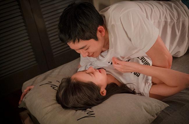 Hé lộ cảnh quay tình tứ của cặp 'Chị đẹp mua cơm ngon cho tôi'