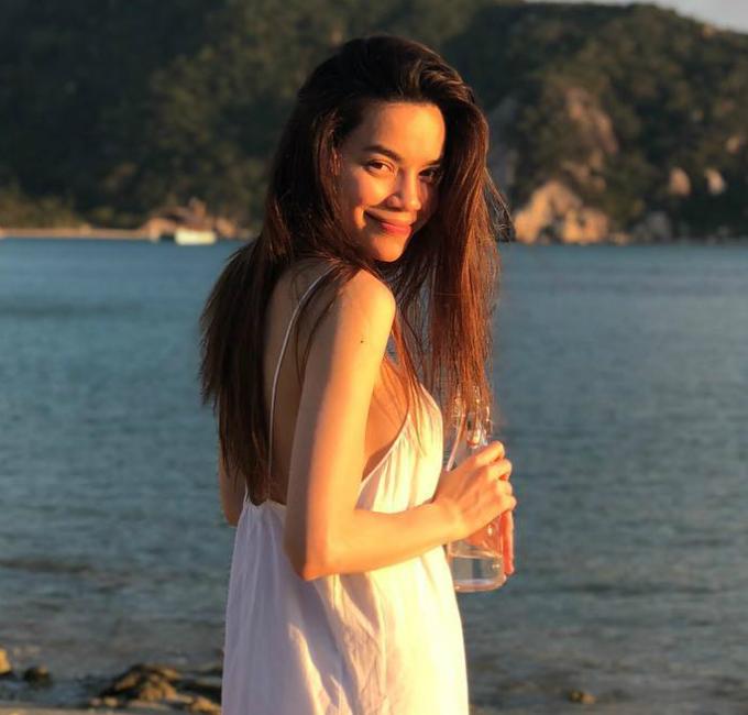 Hồ Ngọc Hà đang tận hưởng kỳ nghỉ ở vịnh Ninh Vân cùng bố mẹ và con trai Subeo.