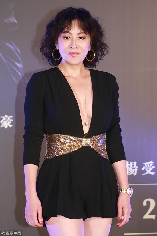 Lưu Gia Linh ở tuổi 52 là một phụ nữ thành đạt. Ngoài côngviệc là diễn viên, cô còn thử sức ở lĩnh vực kinh doanh và có thương hiệu nước hoa, đồng hồ, thời trang... riêng. Cô hiện còn là chủ của một số khách sạn, bar tại Đại lục và Hong Kong.
