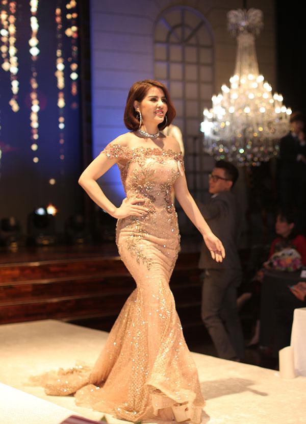 Phạm Thị Huyền Trăng đăng quang Nữ hoàng ngành làm đẹp - 11
