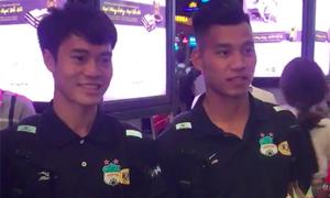 Fan mang bánh kem ra sân bay tổ chức sinh nhật cho Văn Toàn, Văn Thanh