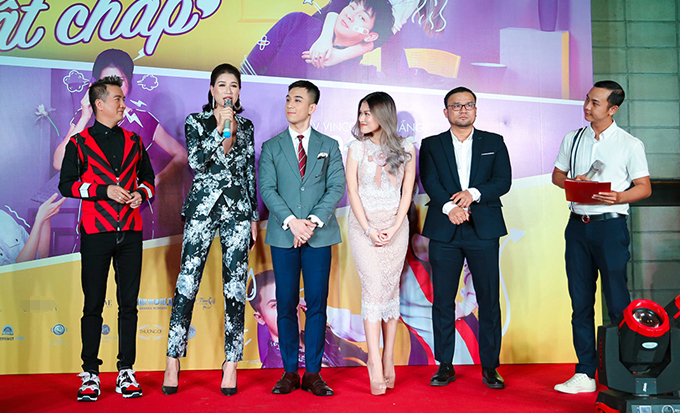 Vắng bạn trai, Ngọc Thanh Tâm thân thiết mẹ chồng Trang Trần - 4