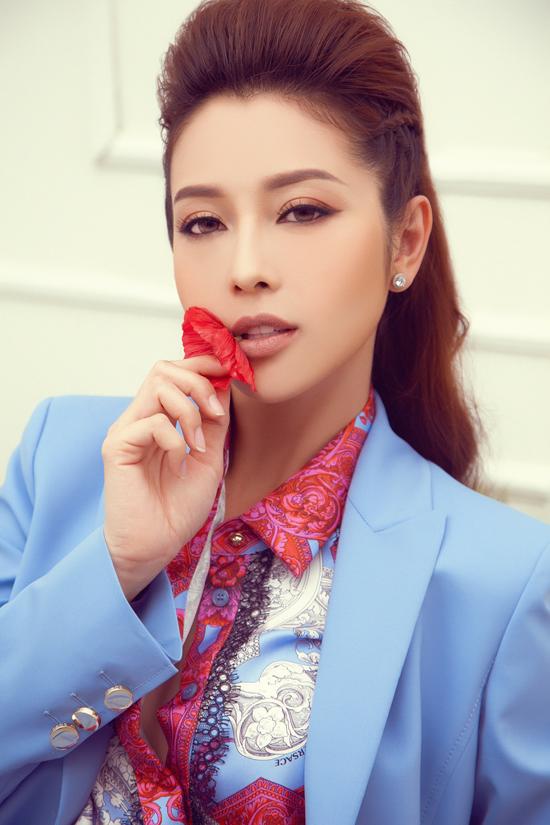 Gái ba con Jennifer Phạm khoe dáng với loạt đồ hiệu đắt tiền - 4